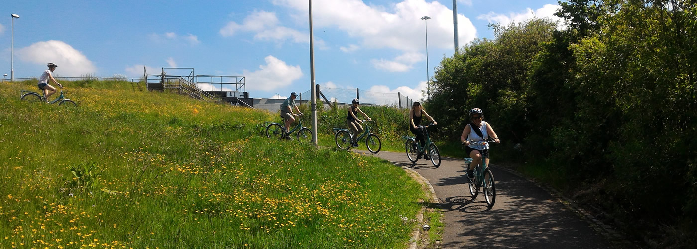 Sightseeing glasgow bike tours on spiers wharf